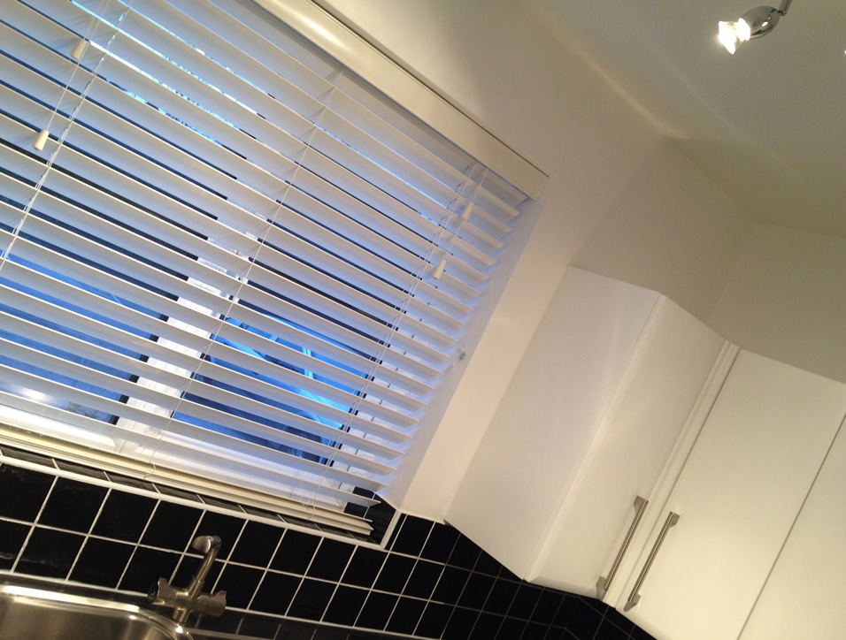 Made to measure white blinds